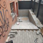 Remont wejść do budynku oraz uporządkowanie terenu 19
